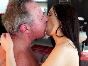 Pornografia Velha e Jovem Namorada doce e inocente