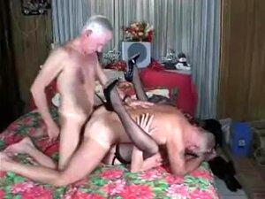 Sexo Bissexual A Três