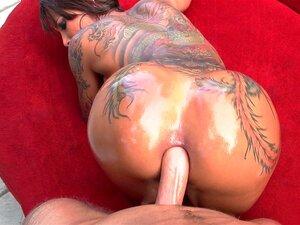 Bella Bellz anal fodida por uma pila enorme oleada