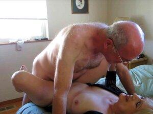 Casal maduro fazendo sexo na cam