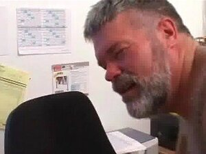 Monstro peludo e caras GlennBear e Rusty sexo gay