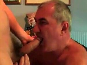 Homens mais velhos gays a chuparem uma bela Pila