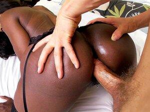 Black mom Diamond Jackson anal fod doggy style