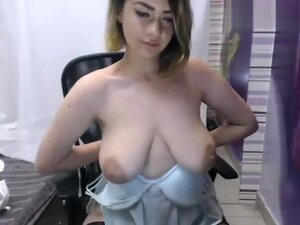 RoseCinndy off her bra and panties,