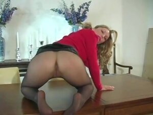 Heather Vandeven Shows Off her Nude Lingerie