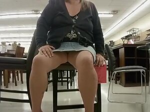 Chubby blonde flashes her fat shaved pussy, Chubby