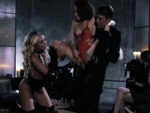 Horny DOM pounded 2 fresh pussies in a 3some