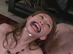 Hinouchi You likes to get her mouth stretched and