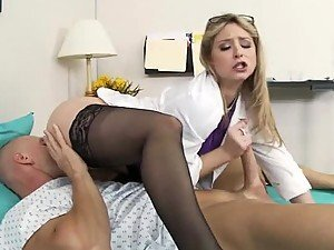Deep Throated Blonde Sunny Lane Gets a 69 In High
