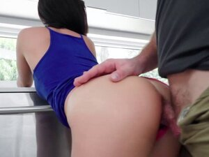 Jasmine Vegas pussy getting fuck on top riding