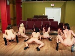 Twerk07 group naked