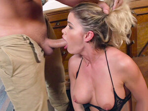 Jessa Rhodes got hair pulled and face fucked by