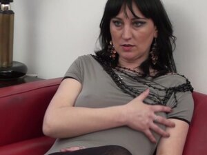 Andjela spreads her legs for a great masturbation