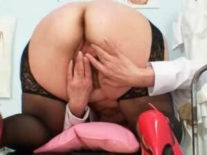 Filthy mature lady toys her hairy pussy with