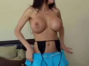 Latina MILF with ridiculous bolt-ons takes it in