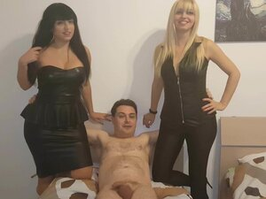 Andrea Dipre tries to fuck Mistress Kelly Viola