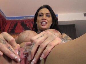 Vanessa in Cooking With No Underwear - MagmaFilm,