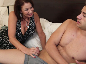 Horny momma Vanessa Videl wakes her young lover