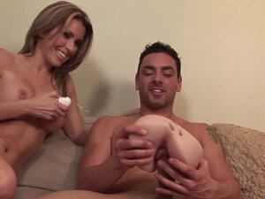 Awesome Courtney satisfies a stiff shaft