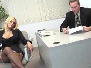 Secretaria rubia putita