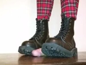 Cockbox trample by Steel boots