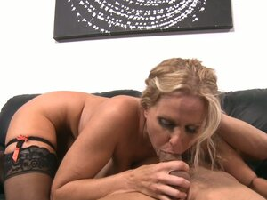 Busty curly milf Julia Ann gets her shaven pussy