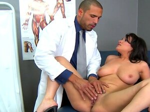 Brazzers - Big-tit sex addict Charley Chase rides