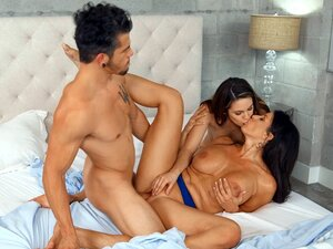 Reagan Foxx, Rayna Rose and Bambino in hot