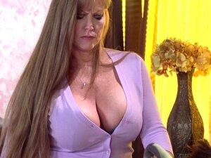 Milf pornstar Darla Crane fucking hard with her