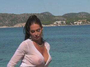 Busty model on the rocks - Julia Reaves