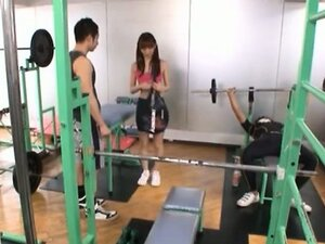 Maho Uruya Asian model has sex in the sports club