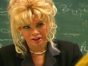 Chemistry Class Just Got Very Interesting, Teri