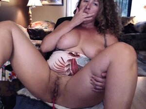 Curvy MILF Plays With Her Tight Pussy