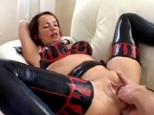 milf anal and pussy fisting, hot milf gets a