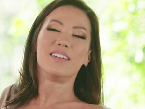 India Summers mom instincts kick in as she tries