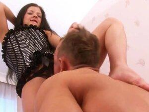 Brutal-FaceSitting Video: Sandra