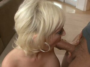 Torey Pines is a slutty housewife pleasing cocks