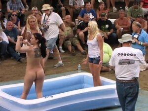 amateur nude contest at this years nudes a poppin