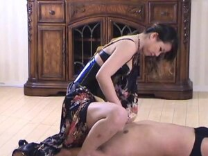 A slave that licks the Femdom's pussy and ass