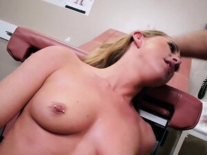 Sexy Patient Carter Cruise Has Her Pussy Fondled