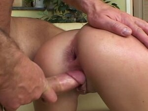 Hot  penetration in threesome