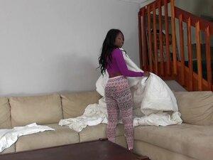 Curvy ebony MILF babe Jessica Yayo gets her pretty