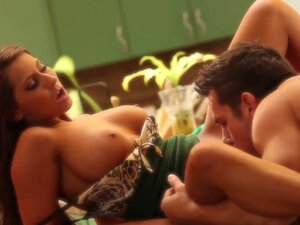 Madison Ivy gets her lovely trimmed pussy eaten