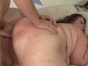 Brunette SSBBW Kitty Nation Gets Pounded Doggy