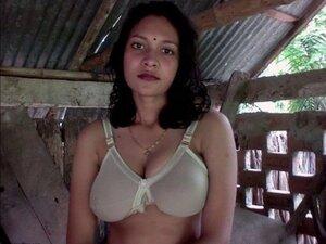 Russian Call Girls 9910405111 Delhi Escorts Female