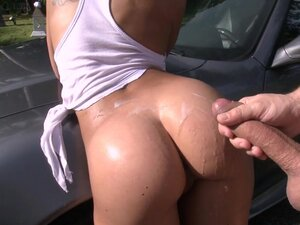 Outdoor sex with car wash girls