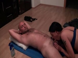 Sucking and fucking on the floor