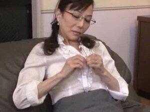 Principal Woman 1