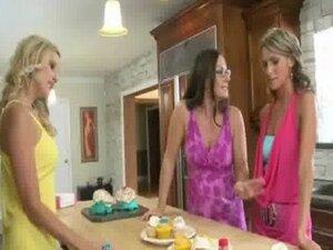 Lesbian hotties meets MILF nextdoor 6