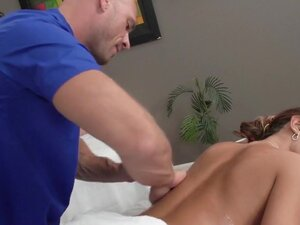 Dirty Masseur: Lesbians Love Massages